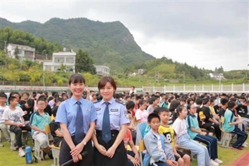 用法律双臂呵护美好明天 平江县检察院以爱倾注未成年人刑事检察工作